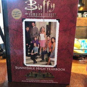 Buffy the Vampire Slayer Book